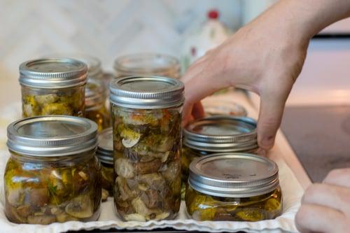 canned-marinated-mushrooms-18.jpg